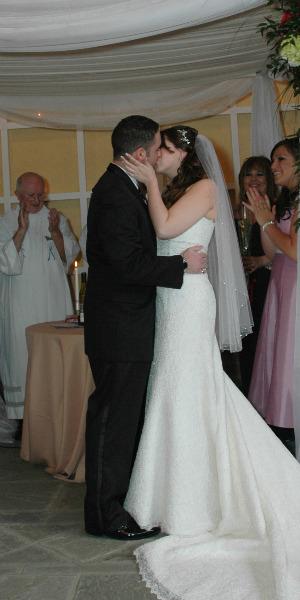 poljubac na vencanju