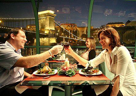 romantična večera i vožnja Dunavom