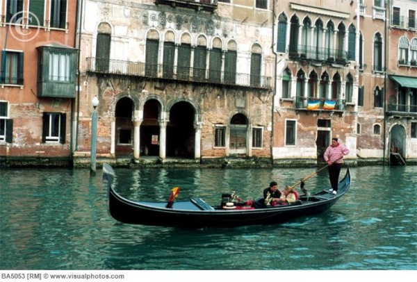 romantična vožnja gondolom u Veneciji