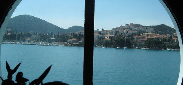 Pogled na Dubrovnik iz kabine broda