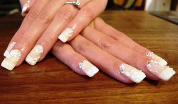 nail art sa cirkončićima