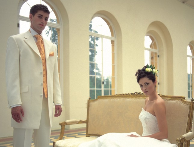 muško odelo za venčanje boje slonove kosti