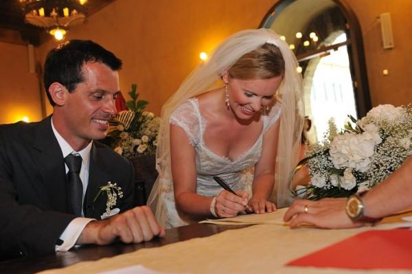 potpis na građanskom venčanju