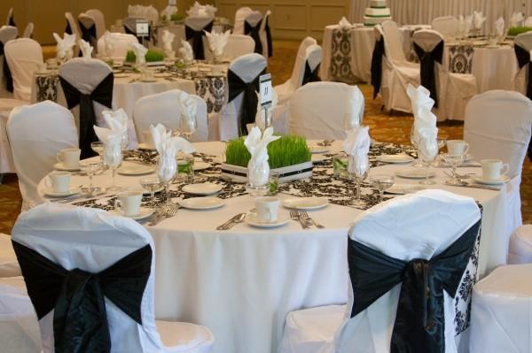 crno bela dekoracija stolova