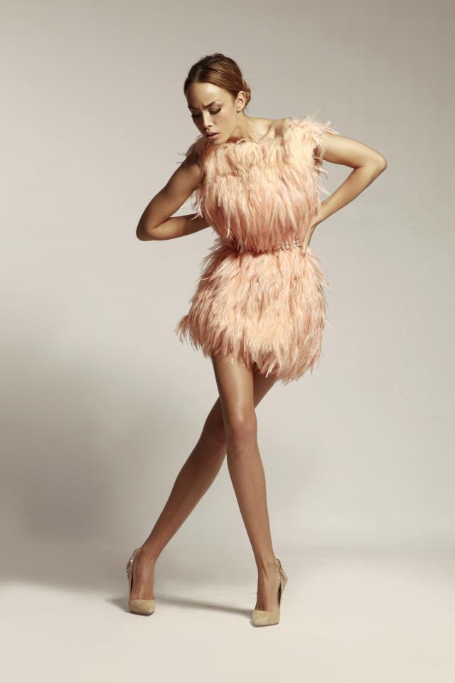haljina sa perjem Mihano Momosa