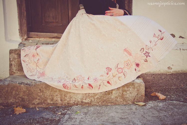 haljina Jovana Zivotic
