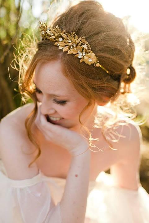 frizura za venčanje sa tijarom