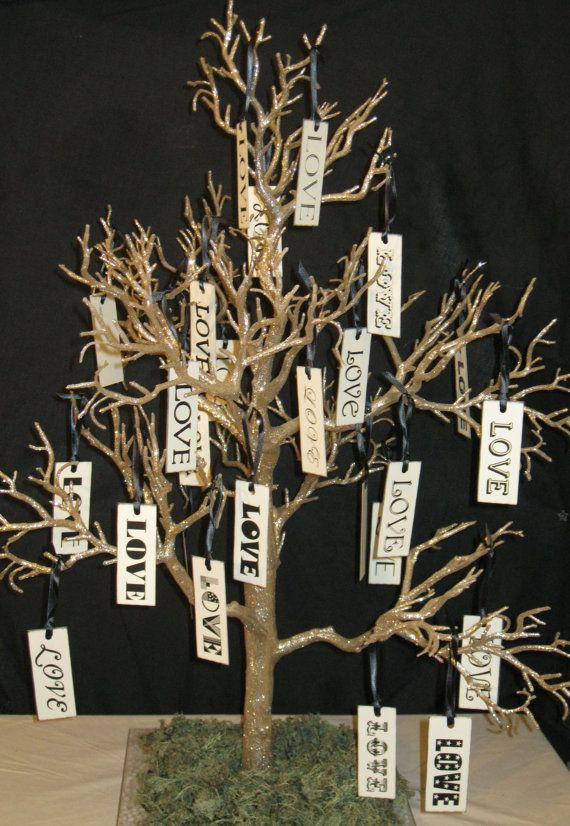 drvo želja u zlatnoj boji