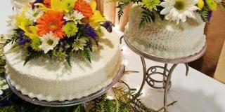 stalak-za-mladenacku-tortu