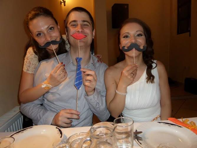 gosti-na-svadbi-sa-detaljima-za fotografisanje