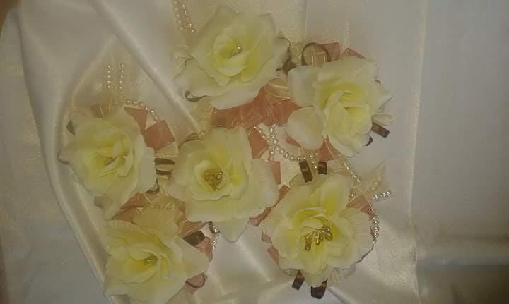 cvetici-za-kicenje-svatovacvetici-za-kicenje-svatova